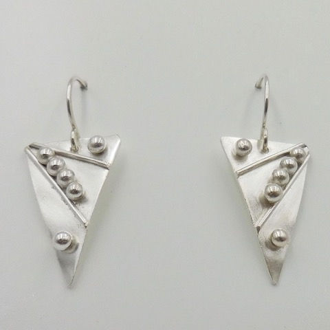 Click to view detail for DKC-938 Earrings Triangles
