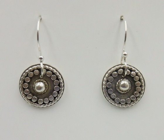 Click to view detail for DKC-942 Earrings, Circles, granulation $70