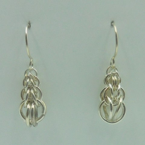 Click to view detail for DKC-955 Earrings, Graduated Persian weave