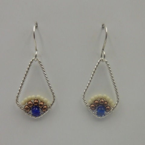 Click to view detail for DKC-958 Earrings, teardrop, blue/brown