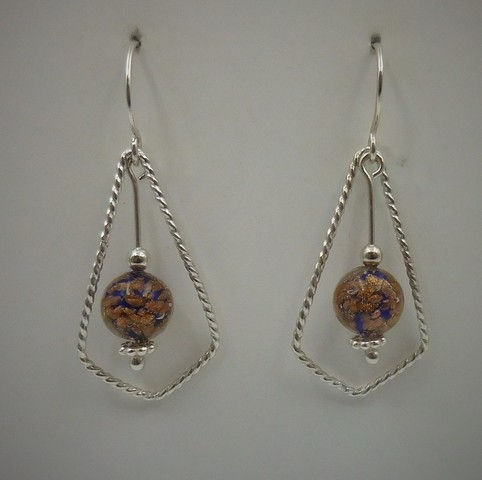 Click to view detail for DKC-976 Earrings, teardrop, blue/gold murano glass