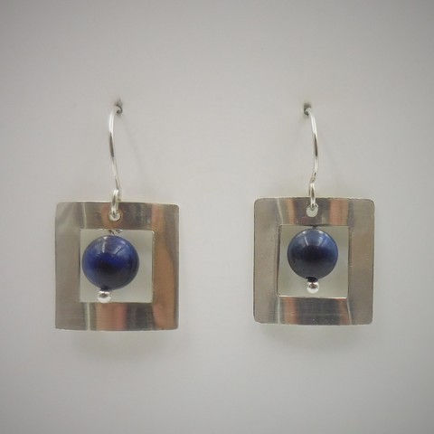 Click to view detail for DKC-978 Earrings, square, blue tiger eye