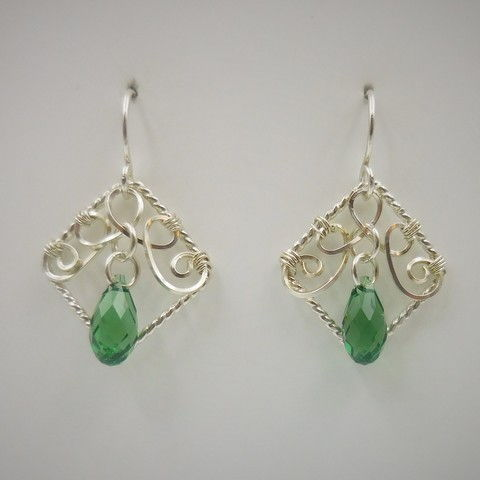 DKC-979 Earrings, filigree, green s/crystal at Hunter Wolff Gallery