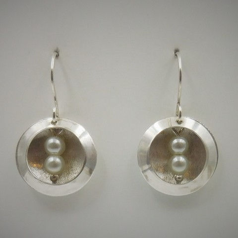 Click to view detail for DKC-980 Earrings, double circles, fw pearls