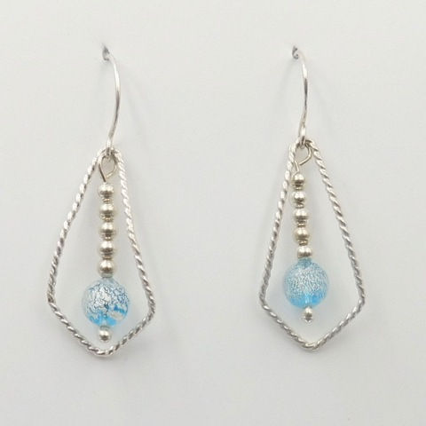 Click to view detail for DKC-996 Earrings, teardrops light blue