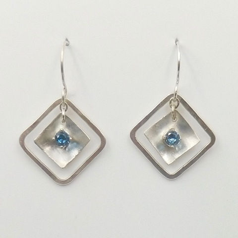 Click to view detail for DKC-998 Earrings, squares in square, blue
