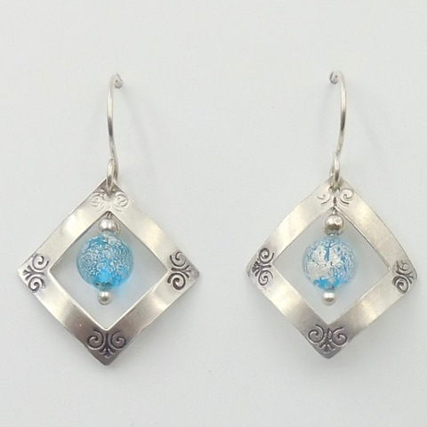 Click to view detail for DKC-999 Earrings, Squares, light blue TQ $66