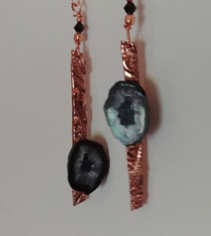 Click to view detail for DM-014 Copper Earrings with Mini-Geodes