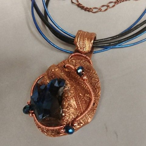 Click to view detail for DM-030 Pendant  Titanium Crystal & Copper
