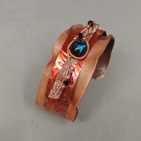 Click to view detail for DM-031 Cuff Copper and Dichroic Glass