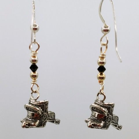 Click to view detail for DM-091 Earring Sterling Silver Saddles, Black Crystal $45