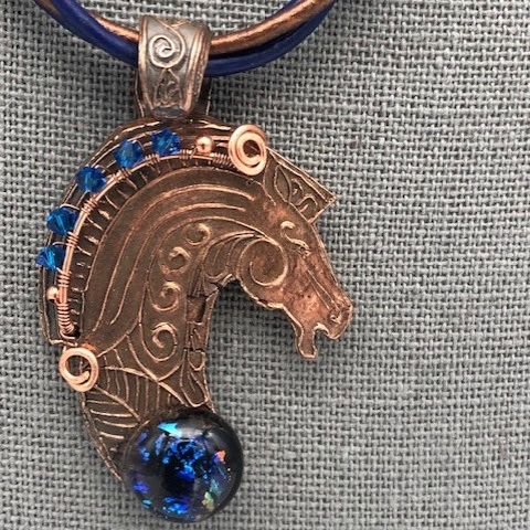 Click to view detail for DM-096 Necklace, Copper, Horse Motif, Glass Cabochon $65