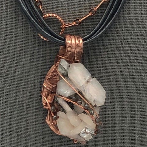 Click to view detail for DM-099 Necklace, White/Grey Quartz, Swarovski Accent $99