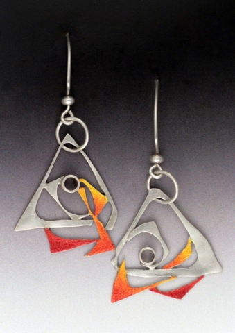 Click to view detail for MB-E362 Earrings Fire Figures