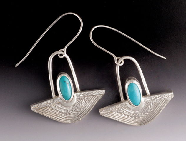 Click to view detail for MB-E379 Earrings Egypt No. 2