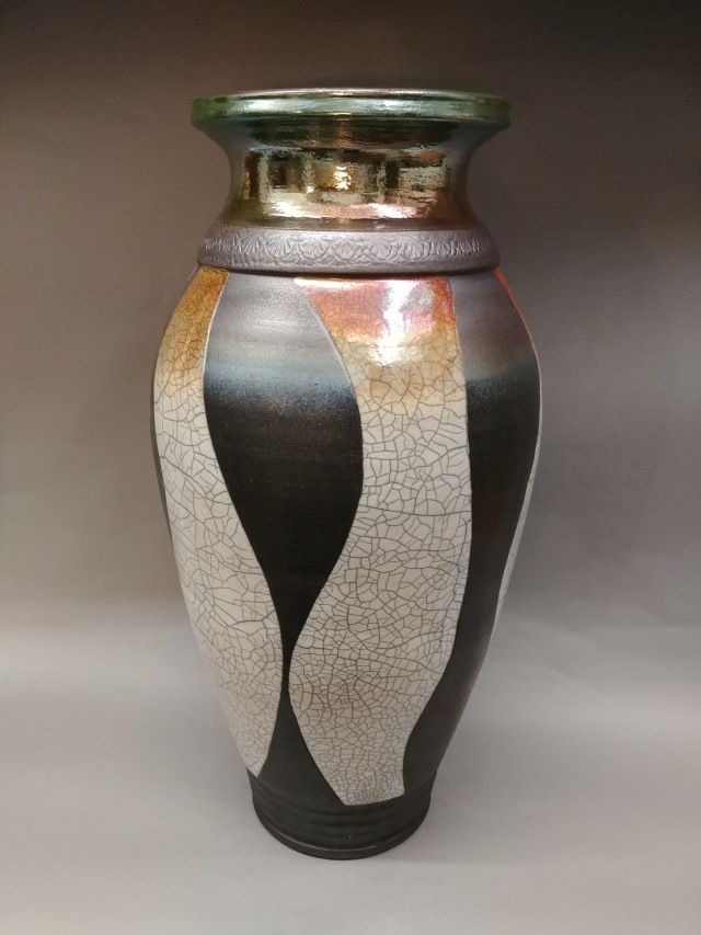 Click to view detail for MP-071 White Crackle/Stripe with Green Neck Raku
