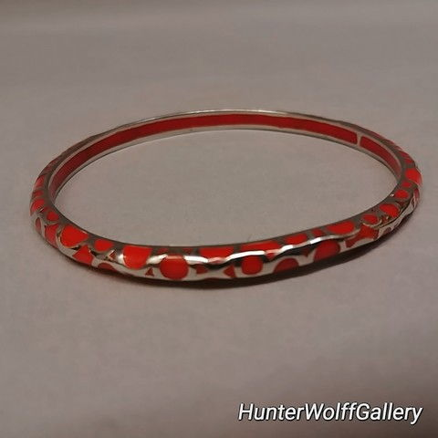 Bangle - S1101 Round Red at Hunter Wolff Gallery