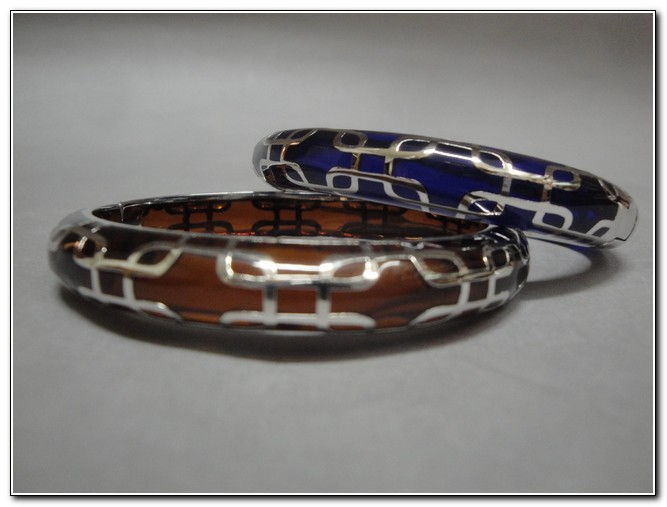 Bangle - S131S Purple or Brown at Hunter Wolff Gallery