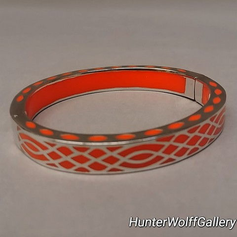 Bangle -S132sCOR Window Pane Coral at Hunter Wolff Gallery