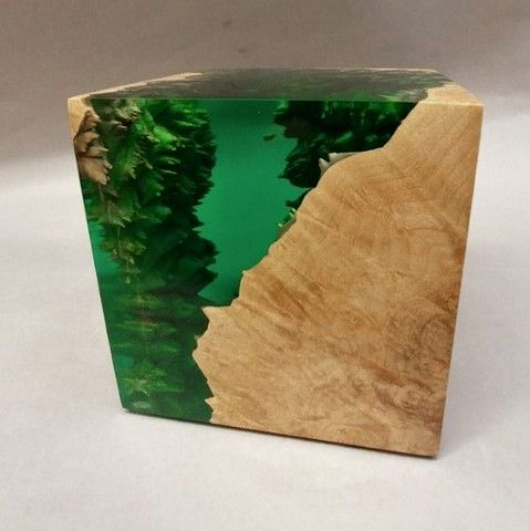 SH040 Emerald Green Cube at Hunter Wolff Gallery