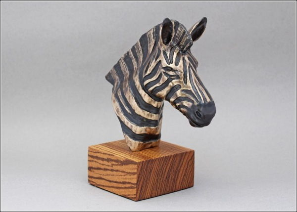 Click to view detail for FL047 Zebra Bronze Sculpture